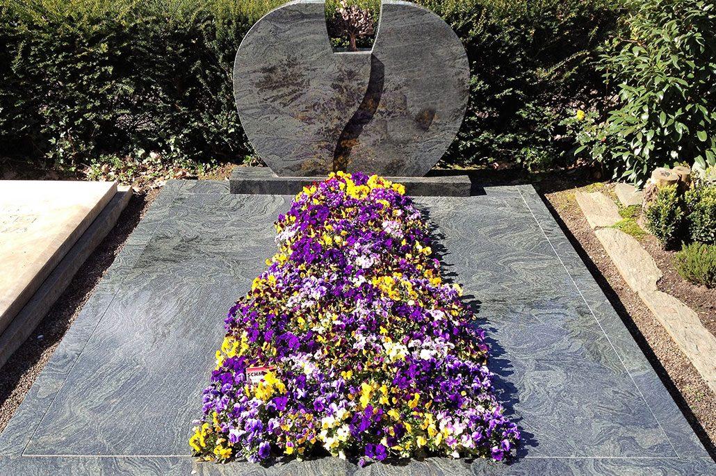 Atemberaubend Beispiele von Grabgestaltung | Schmitz Friedhofsspezialist @BM_95